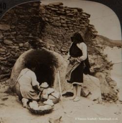 1901 – Baking bread- Mexcio