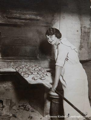 1922 – Hot cross buns – USA