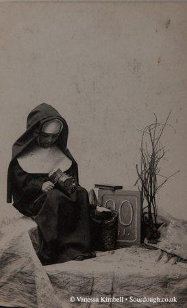 1922 – Nun with bread - France
