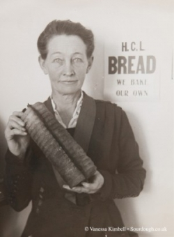 1924 – Woman with bread – USA
