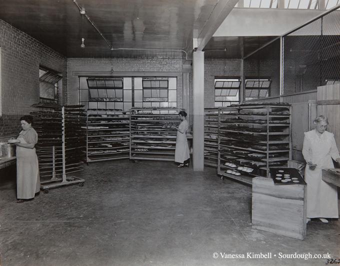 1930 – Indianapolis bakery – USA