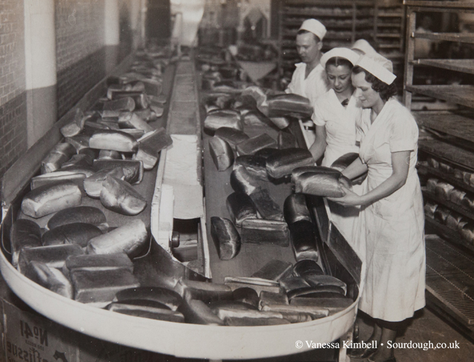 1936 – Pittsburgh bread bakery – USA